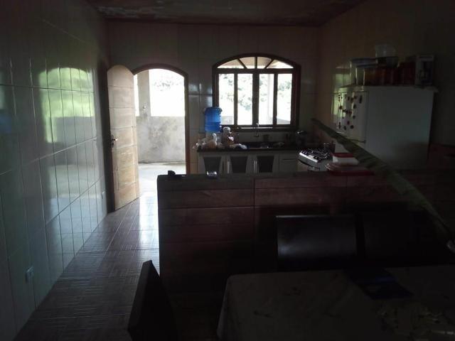 Vendo uma bela casa em local muito agradável pra quem gosta de tranquilidade. - Foto 13