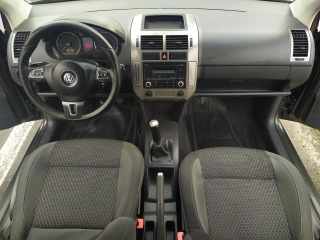 Volkswagen Polo Sedan 1.6 Comfortline 2013 - Foto 8