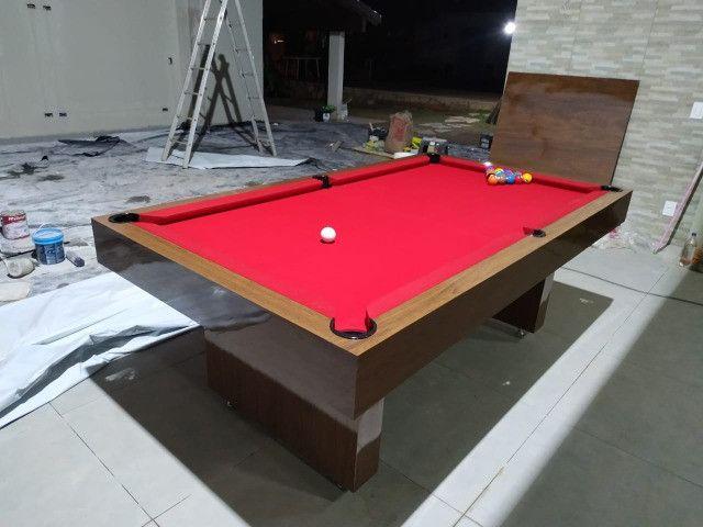 Mesa Sedução 2,20 x 1,20 Cor Freijó Tecido Vermelho Mod. YDEL2565 - Foto 3