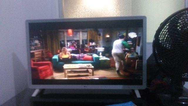 Smart TV LG super nova 32 polegada wi-fi Netflix YouTube - Foto 5