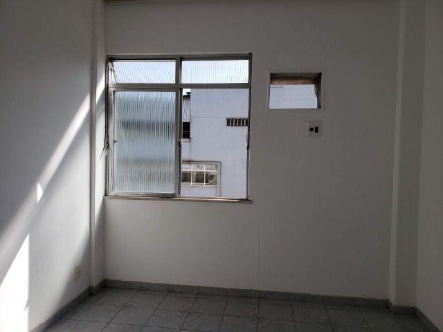 Apartamento 2 Quartos Elevador e Porteiro 24h Cascadura - Foto 8