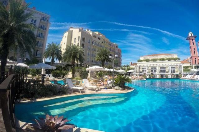 Quarto no melhor resort de Jurerê Internacional, excelente investimento e conforto