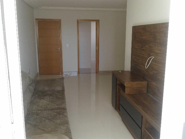 Apartamento de 03 quartos com vista para o mar