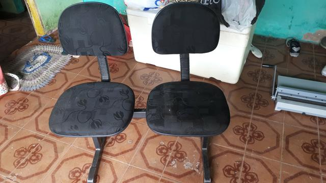 150,00 vendo cadeiras semi novas sem nehuma avaria