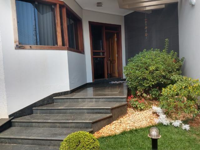 Linda casa no bairro Aurélio Caixeta em Patos de Minas/MG - Foto 19