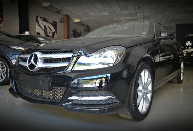 Mercedes Benz C180 1.6 CGI Coupe. Preta 2012/12 - Foto 2