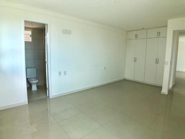 AP0645 Apartamento com 3 suítes e 3 vagas no Ed. Padre Joaquim Dourado - Foto 8