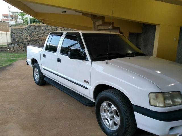 Caminhonete S10 cab dupla turbo diesel intercooler 2.8 MWM 4x4