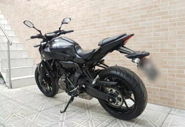 Yamaha mt 07 - Foto 2