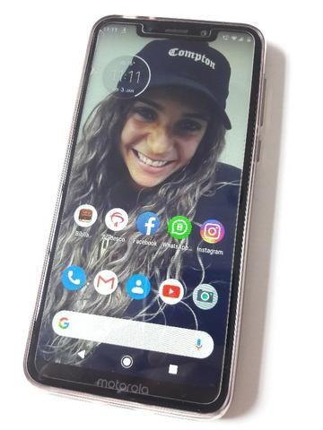 Motorola One com dias de uso,tudo OK sem nenhum arranhão