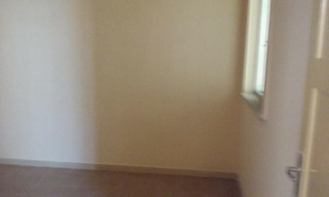 Apartamento tipo casa Olaria sala, 2 quartos,área e garagem - Foto 5