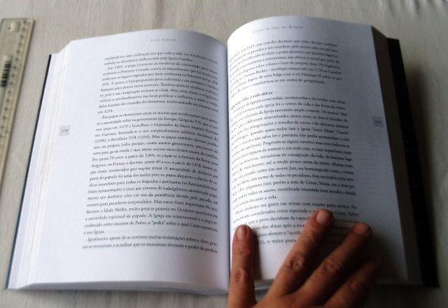 Livro Religioso - O Livro de Ouro das Religiões - John Bowker - 2004 - Foto 4