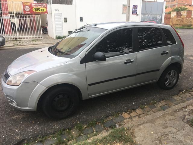 Ford Fiesta 10/10 Ar travas e alarme! - Foto 4