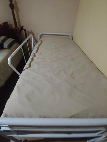 Cama reclinável com protetor e colchão massageador