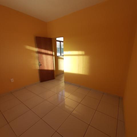 Barracão 3 cômodos + banheiro CANADÁ - Foto 3