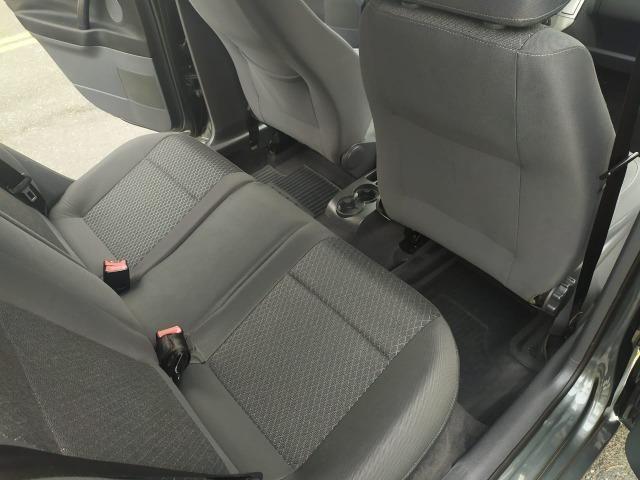 Volkswagen Polo Sedan 1.6 Comfortline 2013 - Foto 11