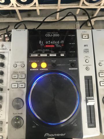Cdj 200 o par + mixer separado em outra venda
