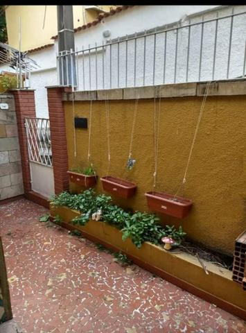Casa de vila com varanda, 93mts 2 quartos com garagem - Foto 2