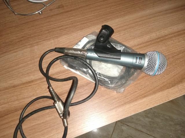 Vendo microfone shure 58 a novinho sem detalhes quem vê compra - Foto 3