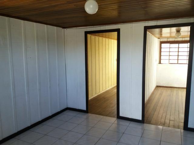 Casa no Pinheirinho p casal sem filhos 600,00 direto c/ Proprietário - Foto 3