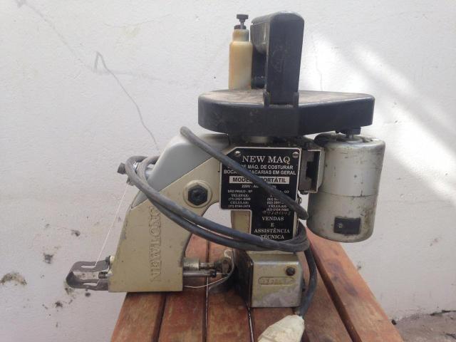 Máquina costura sacaria