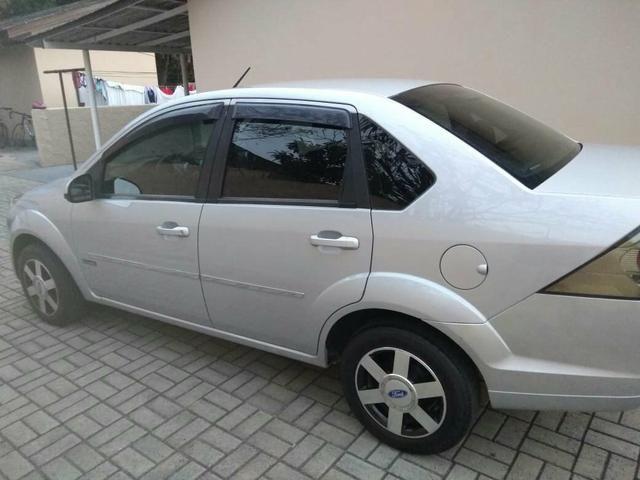 Fiesta sedan 1.6 class - Foto 4