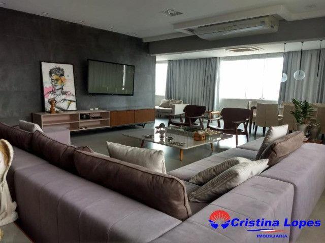 PA - Apartamento com 272 m² / 3 Suítes / 3 vagas de garagem / Ótima Localização