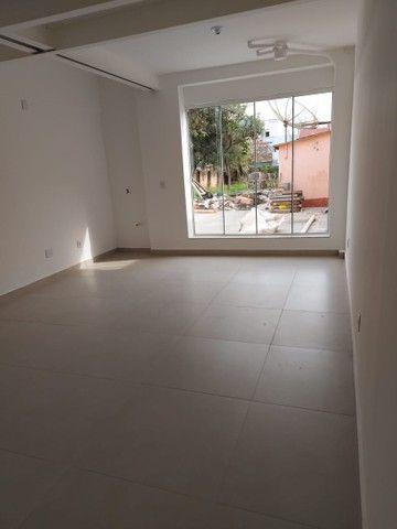 Excelente Sala/Conjunto de frente para Praça Pinheiro Machado e Catedral em Santo Ângelo - Foto 7