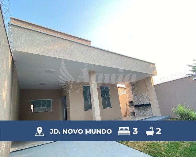 Casa ampla, com quintal e varanda gourmet, contendo 3 quartos no Jd. Novo Mundo, Goiânia.