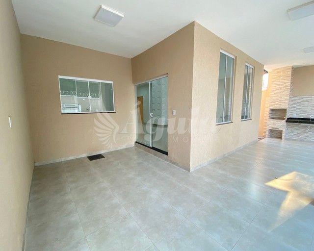 Casa ampla, com quintal e varanda gourmet, contendo 3 quartos no Jd. Novo Mundo, Goiânia. - Foto 12
