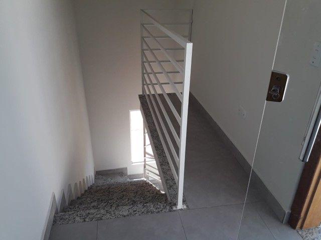 Cobertura pronta pra morar no Rio Branco ? 2 quartos, churrasqueira, 1 vaga - Foto 4