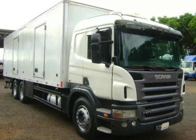 Caminhão Scania P 270 6x2 truck Cabine Leito Ano 2011 Com Baú