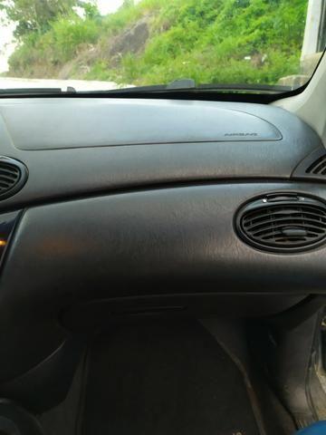 Focus sedan impecável aceito trocas - Foto 6