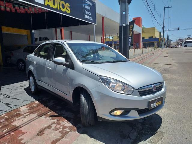 Grand Siena 1.6 essence 2014 o mais Novo de Sergipe - Foto 3
