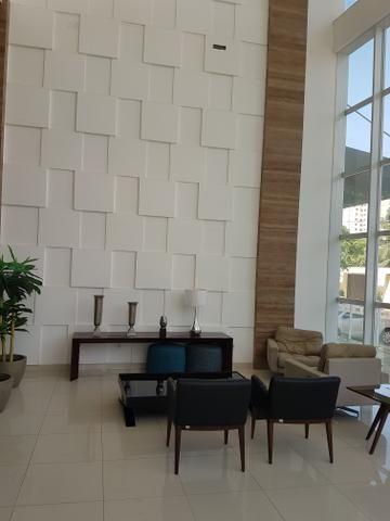 (ES) Sala comercial com 33 m3, na Península da Ponta d'área