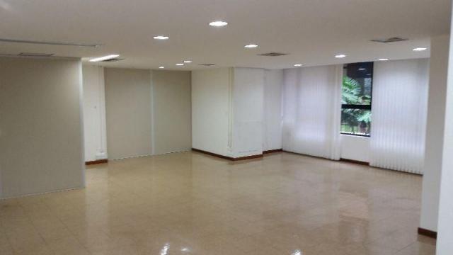 Prédio à venda, 3.000 m² por R$ 18.000.000