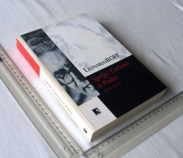Livro Religioso - Igreja: Carisma e Poder - Leonardo Boff - 2005