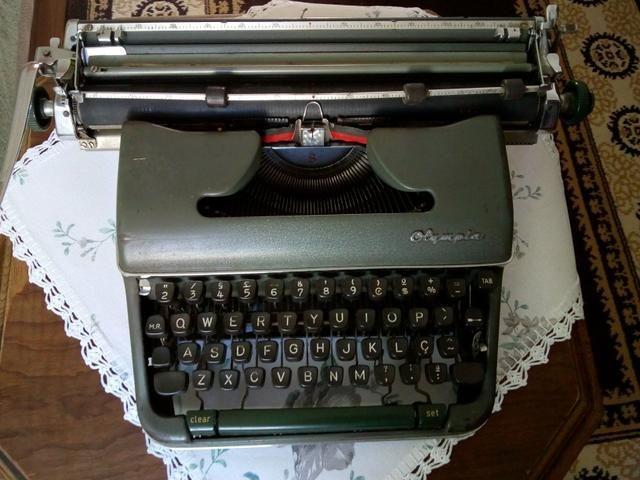 Máquina de escrever, olimpia