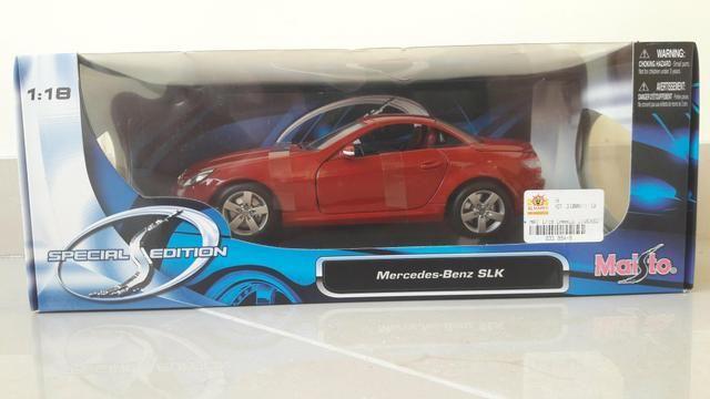 Maisto - Mercedes Benz SLK 230 - Escala 1:18 - Metal Collection Colecionadores - Foto 4