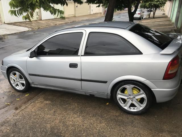 Astra gl ano 2000 roda 17 pneus novos - Foto 2