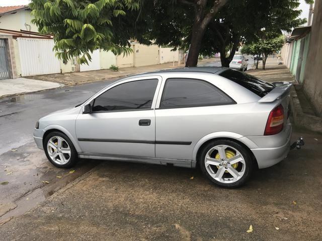 Astra gl ano 2000 roda 17 pneus novos - Foto 3