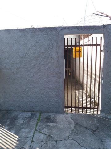 Casa no Pinheirinho p casal sem filhos 600,00 direto c/ Proprietário - Foto 7