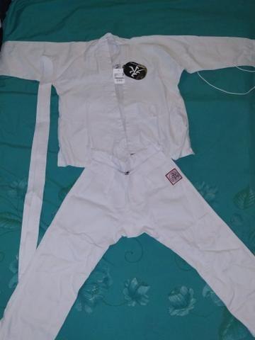 Kimono branco novo