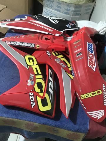 Kit plasticos CRF 230 sem uso - Foto 3