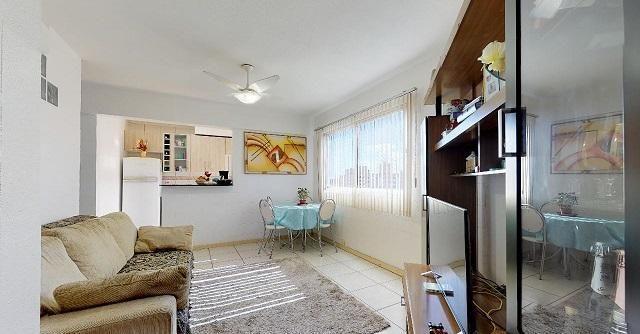 Vende Apto 2 Dormitórios com Garagem Coberta - Foto 4