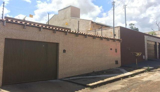 Casa com 3 Quartos e 3 Suítes, janelas e portas no Blindex, Residencial Tangará, Anápolis