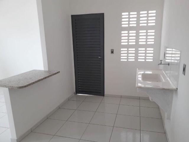 Vende-se ou troca-se por carro, uma casa nova recém construída em condomínio fechado - Foto 14