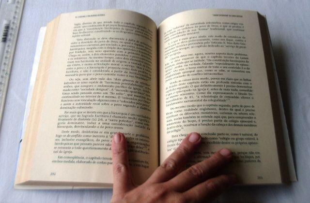 Livro Religioso - A Igreja de Jesus - Processo Histórico - Rufino Velasco - 1996 - Foto 5