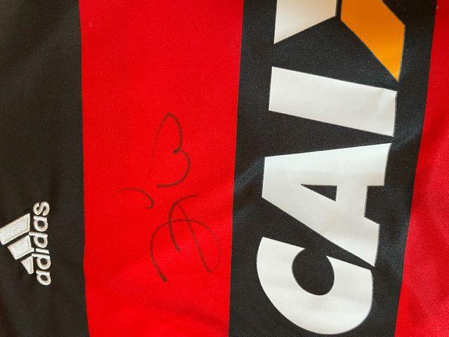 Camisa original do Flamengo autógrafada por zico - Foto 2