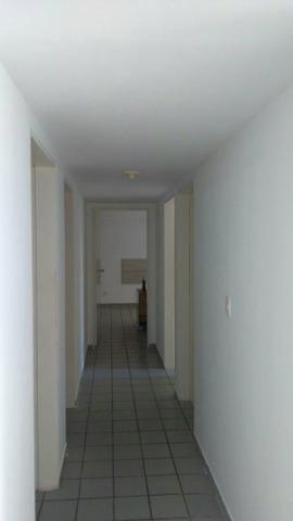 Apartamento 3/4 SEM FIADOR coração da Ponta verde 110mt